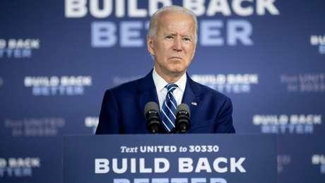 O democrata Joe Biden abriu vantagem de dois dígitos sobre Trump nas pesquisas nacionais