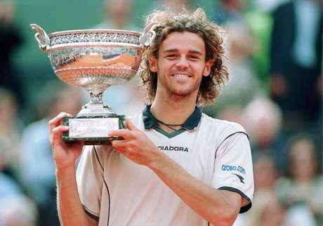Guga celebra segundo título em Roland Garros