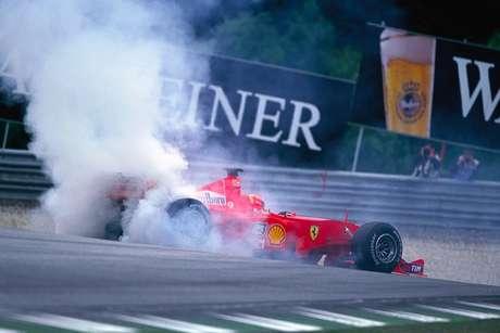 Michael Schumacher bateu com Giancarlo Fisichella na largada do GP da Áustria