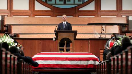 Ex-presidente dos EUA Donald Trump discursa no funeral de John Lewis, em Atlanta 30/07/2020 Alyssa Pointer/Pool via REUTERS