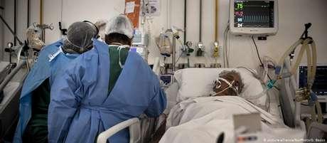 Hospital em São Paulo: em várias partes do país, médicos se sentem pressionados