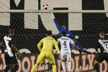 Vladimir ganhou a defesa de Jesualdo Ferreira após a eliminação no estadual (Foto:Ivan Storti/Santos FC)