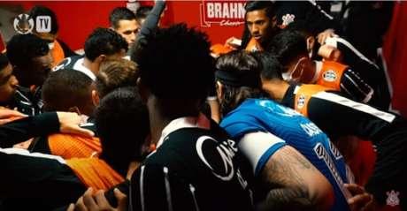 Atletas se motivaram antes do jogo(Foto: Reprodução/Corinthians TV)