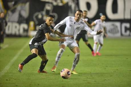 Bruno Rodrigues vive grande fase na Ponte Preta após a volta do futebol (Foto:Ivan Storti/Santos FC)