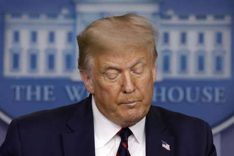 Trump estaria sendo investigado por fraude, segundo jornal