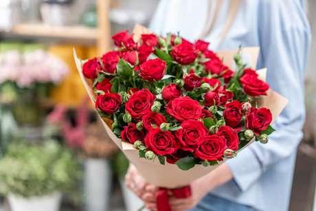 9. Buquê de rosas vermelhas – Via: Flora Queen