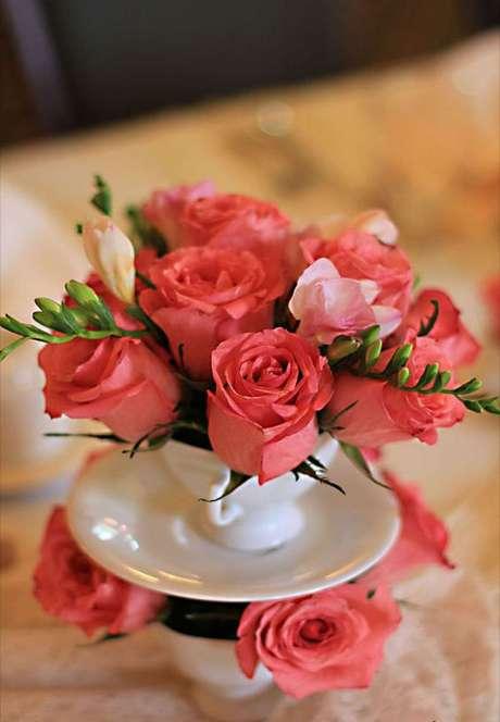 15. Decore sua casa com lindas rosas – Via: Style me pretty