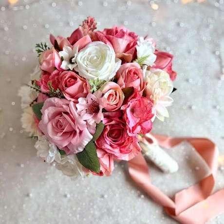 21. Buquê de rosa em tons claros e românticos – Via: Pinterest