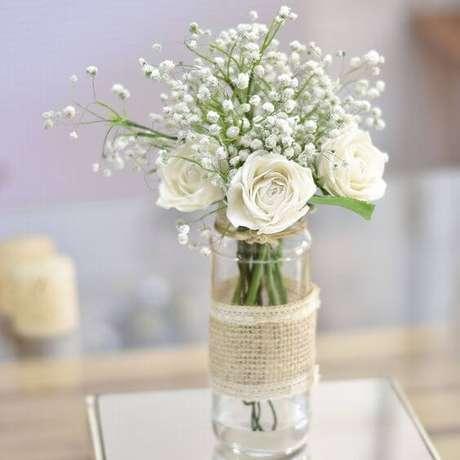 22. A flor rosa branca é linda para decorações românticas – Via: Pinterest