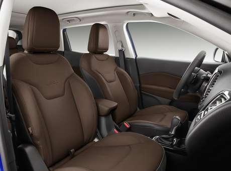 Compass Limited traz mais uma cor como opção para o acabamento interno do carro: Marrom Arizona.