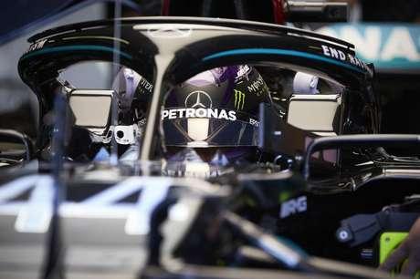 Lewis Hamilton foi modesto na sexta-feira. Fechou o dia apenas com o quinto lugar