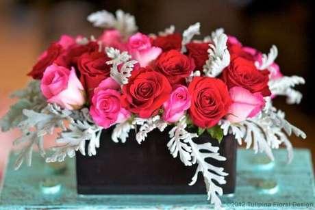 45. Rosas vermelhas e cor de rosa – Via: Pinterest