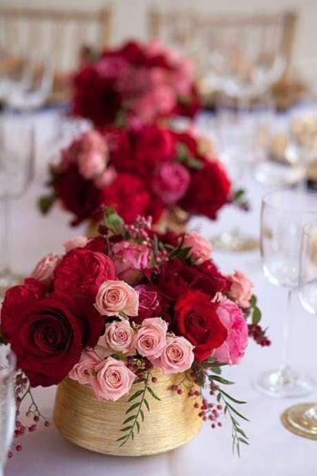 53. Decoração de festa com rosas – Via: Pinterest
