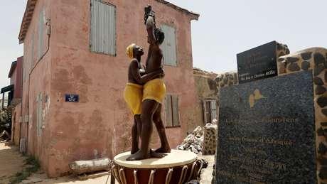 Mais de 12 milhões de africanos foram transportados à força de um lado ao outro do Atlântico para trabalhar como escravos nas Américas