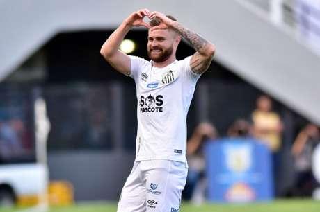 Eduardo Sasha marcou dois gols pelo Peixe em 2020 (Foto: Eduardo Carmim/Photo Premium)