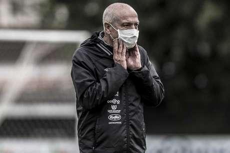 Jesualdo tem 15 jogos à frente do Santos (Foto: Ivan Storti/Santos FC)