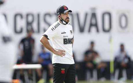 Ramon elogiou a entrega do elenco vascaíno após jogo-treino (Foto: Rafael Ribeiro / Vasco)