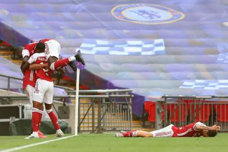 Aubameyang marcou os dois gols do Arsenal (Foto: Catherine Ivill / POOL / AFP)