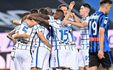 Inter de Milão joga melhor e vence a Atalanta por 2 a 0 na últma rodada do Campeonato Italiano (Foto: MIGUEL MEDINA / AFP)