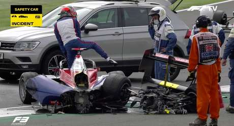 Oliver Caldwell sofreu um acidente preocupante na F3