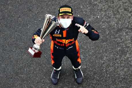 Liam Lawson saiu vencedor na corrida 1 da F3 em Silverstone