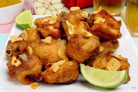Guia da Cozinha - 7 maneiras saborosas de preparar frango à passarinho