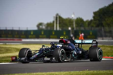 Valtteri Bottas nesta sexta-feira de treinos livres em Silverstone