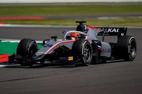 Nikita Mazepin venceu a corrida 1 da F2 em Silverstone