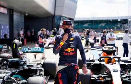Max Verstappen após a classificação em Silverstone. O holandês é o melhor do resto