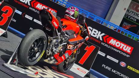 Scott Redding venceu pela primeira vez no Mundial de Superbike