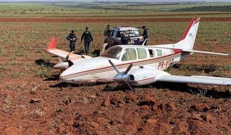 Avião fez pouso em fazenda no MS