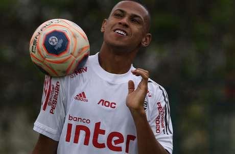"""Ao lado de Arboleda, Bruno Alves é um dos """"donos"""" da zaga tricolor (Foto: Rubens Chiri/saopaulofc.net)"""