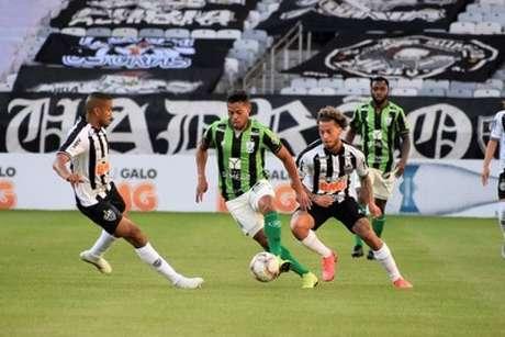 Galo e Coelho-fizeram outro duelo equilibrado no Mineiro. Ao time alvinegro, um empate basta para chegar à decisão do Estadual-(Mourão Panda/América-MG)