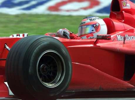 Pela Ferrari, Barrichello conquistou 9 vitórias, incluindo a primeira na Fórmula 1, no GP da Alemanha de 2000