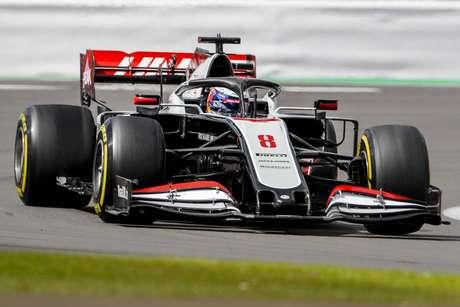 Romain Grosjean foi alçado ao top-5 graças à estratégia de pit-stop da Haas
