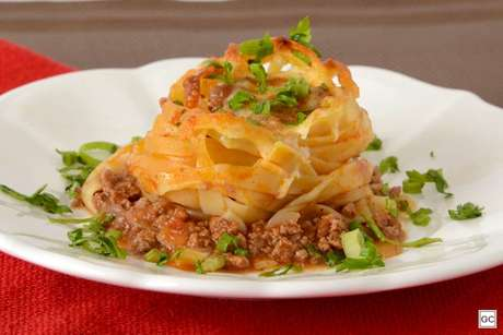 Guia da Cozinha - 9 receitas com molho bolonhesa que combinam com o almoço de domingo
