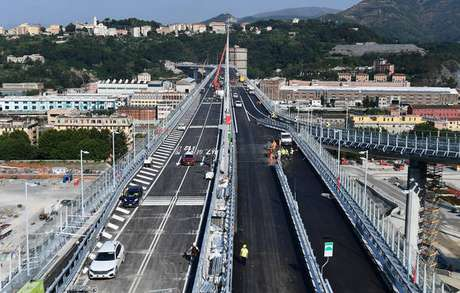 Vista aérea da nova ponte de Gênova, que será aberta ao tráfego em 5 de agosto