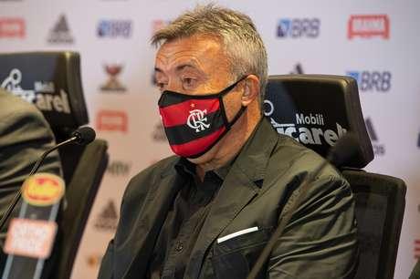 Domènec Torrent foi apresentado oficialmente como novo técnico do Flamengo