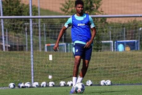 Lucas Ribeiro inicia pré-temporada na Alemanha nas próximas semanas (Divulgação)