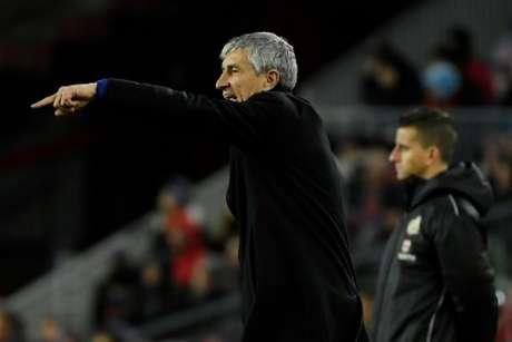 Setién já treina Barcelona focando no duelo contra o Napoli (LLUIS GENE / AFP)