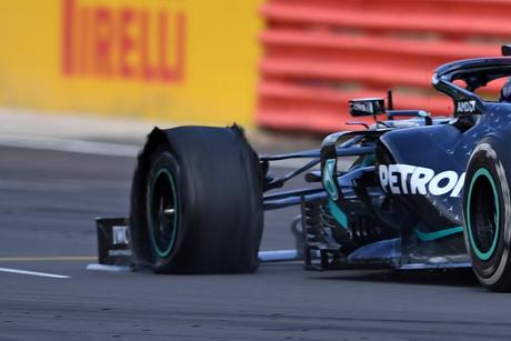 Lewis Hamilton venceu de forma dramática o GP da Inglaterra