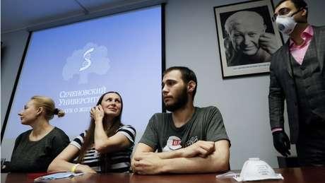 A Rússia mostrou alguns dos voluntários que participaram do teste