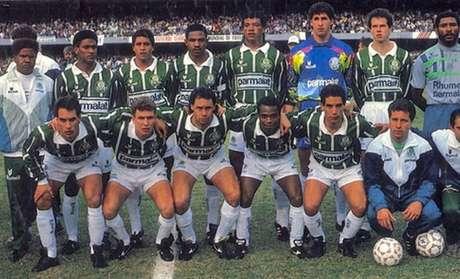 Palmeiras jogou de meia branca na final de 1993 (Divulgação/Palmeiras)