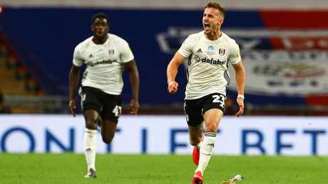 Joe Bryan foi o herói do Fulham na final dos playoffs da Championship (Foto: Divulgação / Fulham / Site oficial)