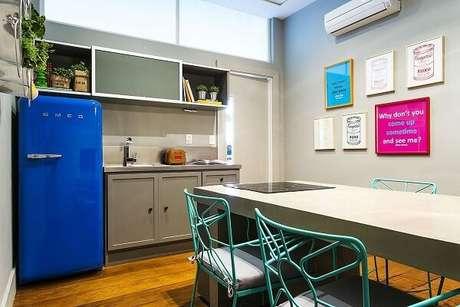 63. Decoração quadros para cozinha trazem estilo para o espaço. Projeto por Triplex Arquitetura