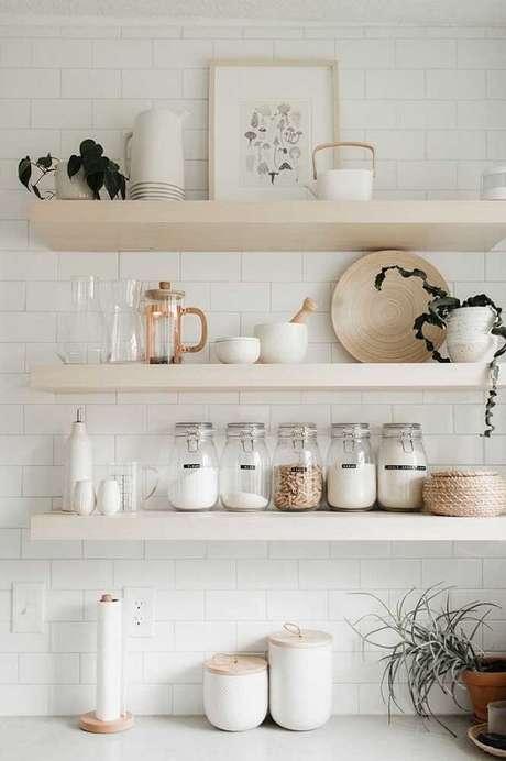 45. Modelo de quadro delicado e neutro para a cozinha. Fonte: Pinterest