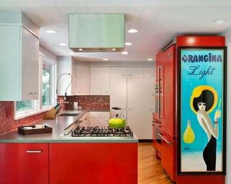 10. O quadro vintage atrai os olhares de todos que frequentam a cozinha. Fonte: Pinterest
