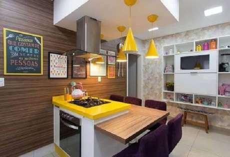 32. Os quadros decorativos para cozinha se conectam com o restante da decoração. Fonte: Pinterest