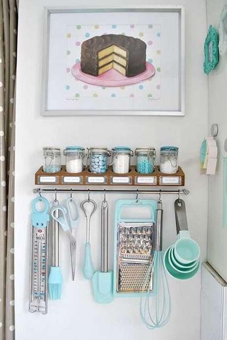 28. Quadro decorativo fofo para complementar a decoração da cozinha. Fonte Casa e Festa