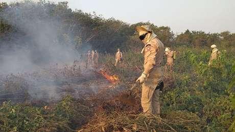 Equipes atuam intensamente no combate às chamas que tomaram conta do Pantanal nos últimos meses
